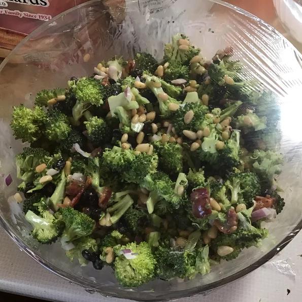 ბროკოლის ფრეშ სალათი